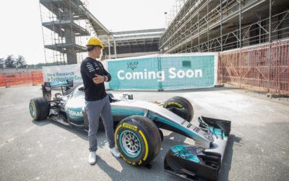 Un giorno con Valtteri Bottas alla sede Petronas