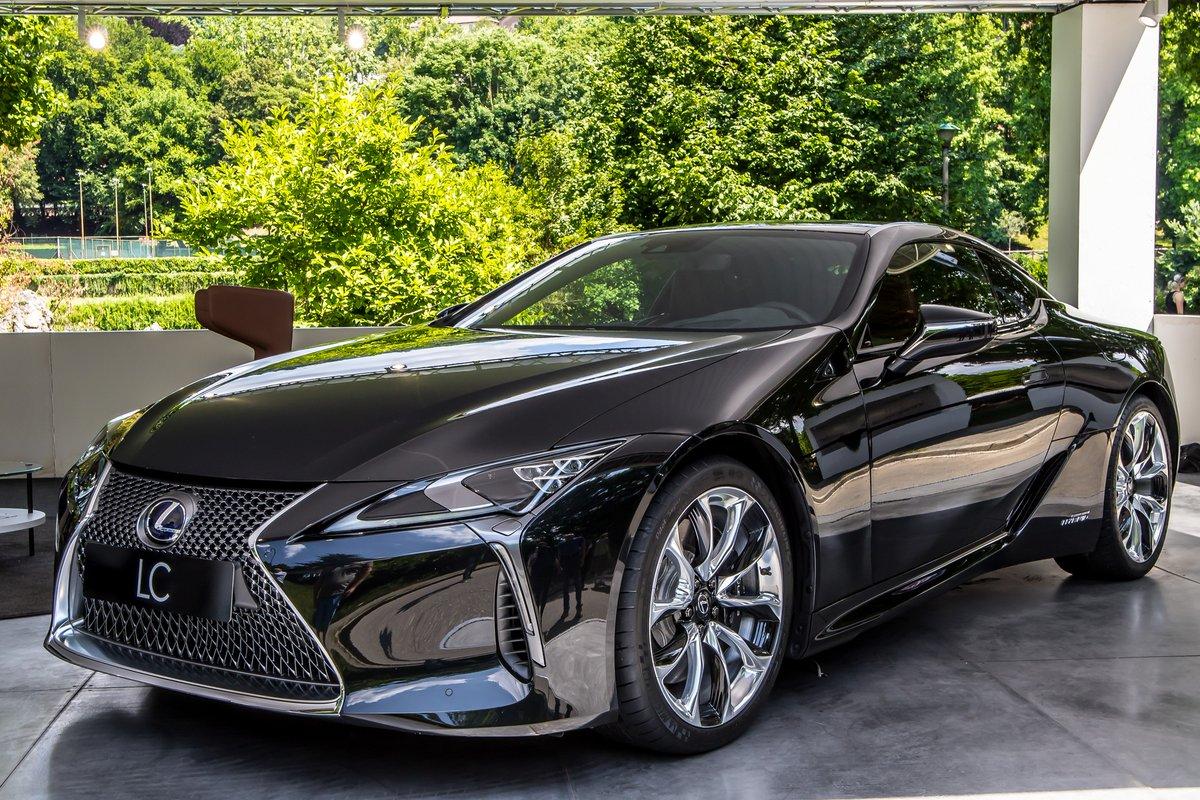 Toyota e Lexus: 20 anni di ibrido al Salone
