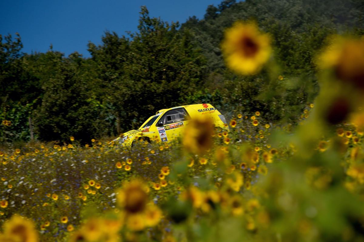 Suzuki domina la San Marino Baja