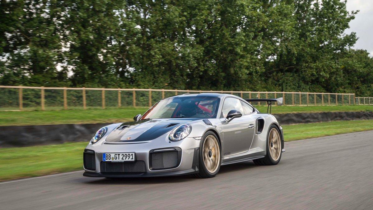 Porsche 911 GT2 RS: debutto a Goodwood