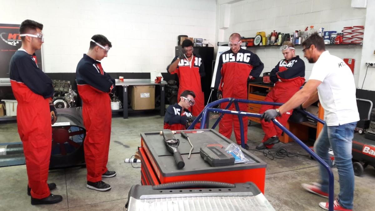 Motorsport Technical School aperta per ferie!