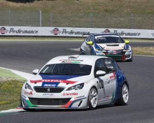 Peugeot 308 Racing Cup e Arduini Corse conquistano il Mugello