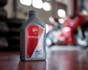 Shell e Ducati rinnovano la partnership e lanciano Shell Advance Ducati
