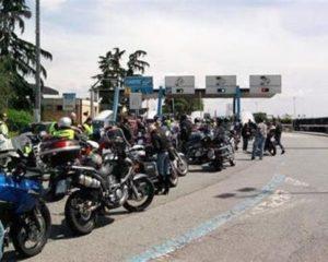 Le moto in autostrada pagheranno meno