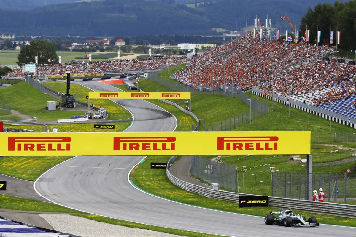 #AustrianGP: pole di quasi 2 secondi più veloce del 2016