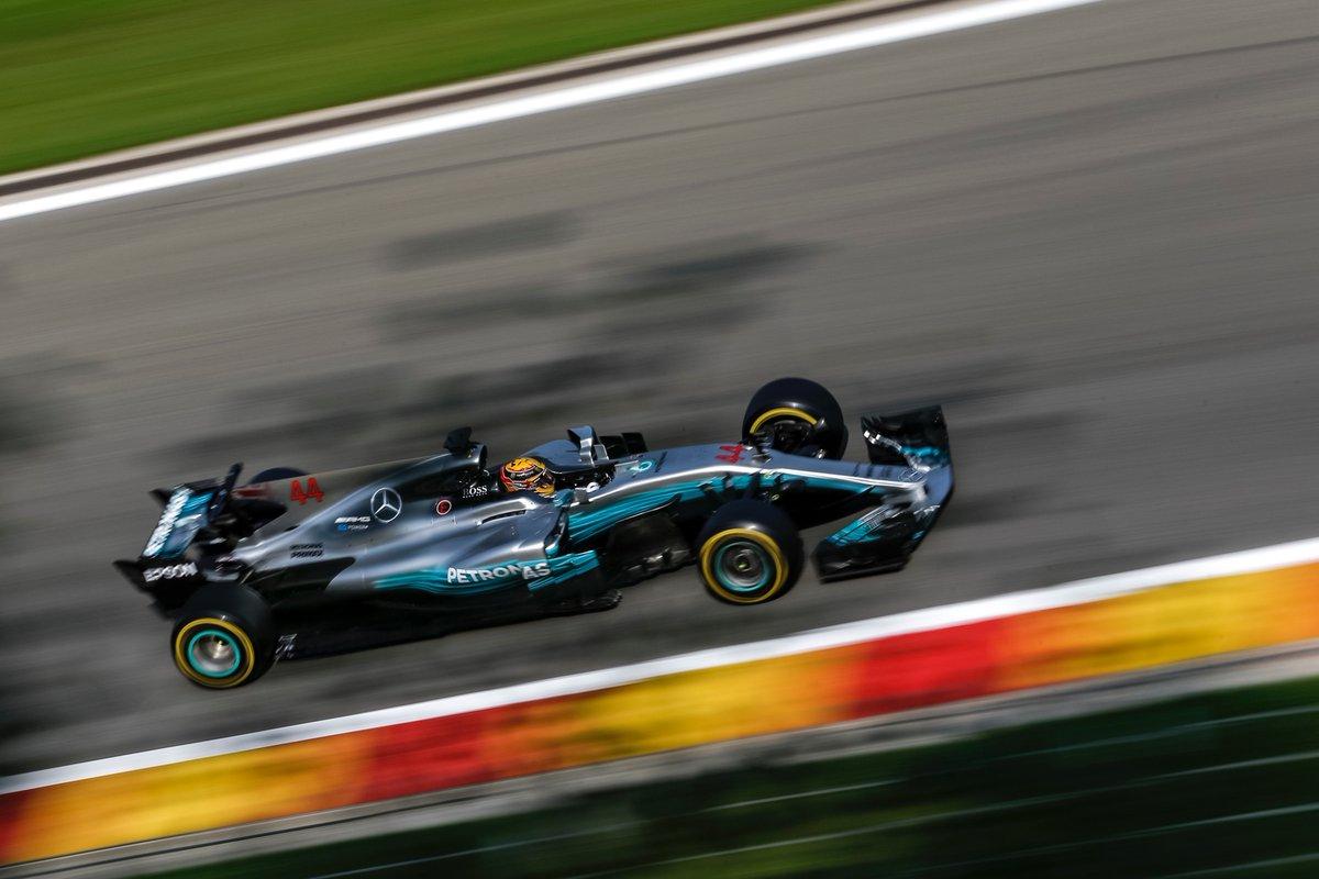 Belgio: 68° pole per Hamilton, Vettel in prima fila