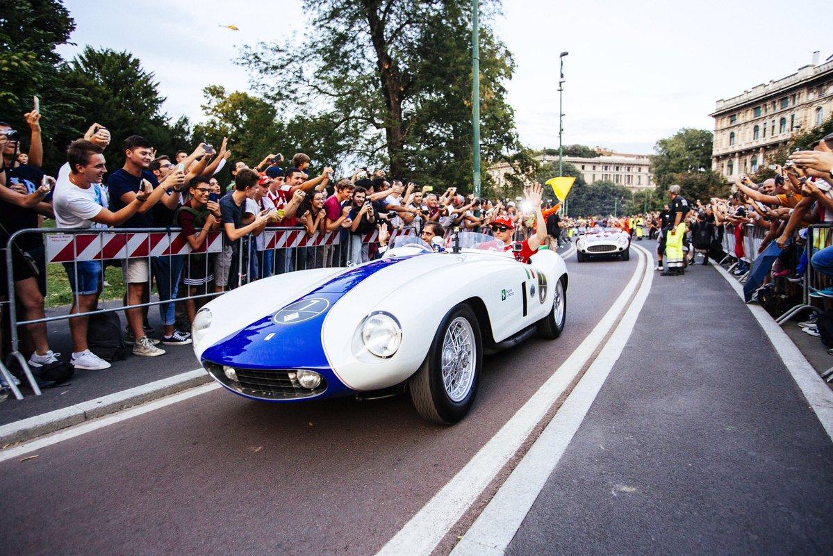 In oltre 10mila alla Milano Drivers Parade