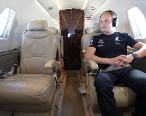 Il team Mercedes vola con NetJets