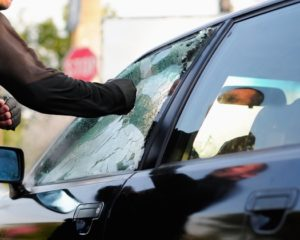 Furti d'auto: metà dei veicoli sparisce nel nulla