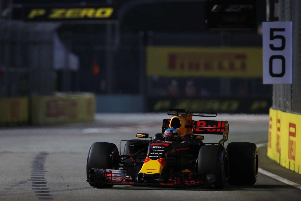 Singapore: Ricciardo demolisce il record già nelle libere