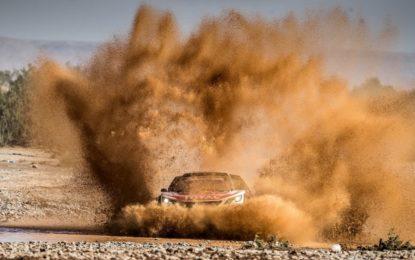 Marocco: Loeb mantiene il comando con la Peugeot 3008DKR