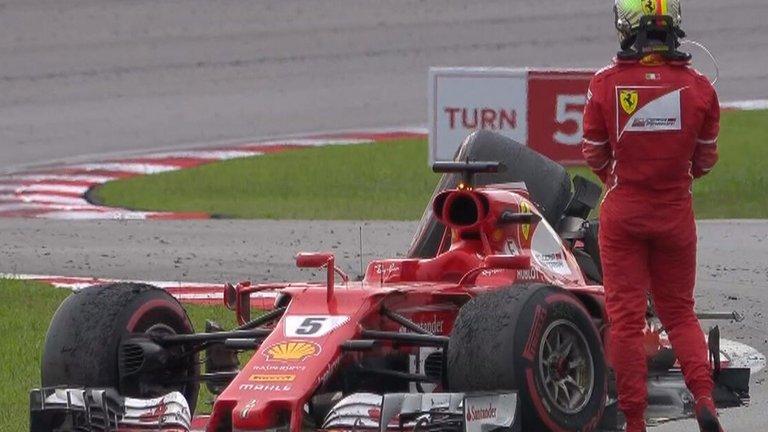 Hamilton stuzzica Vettel sugli errori