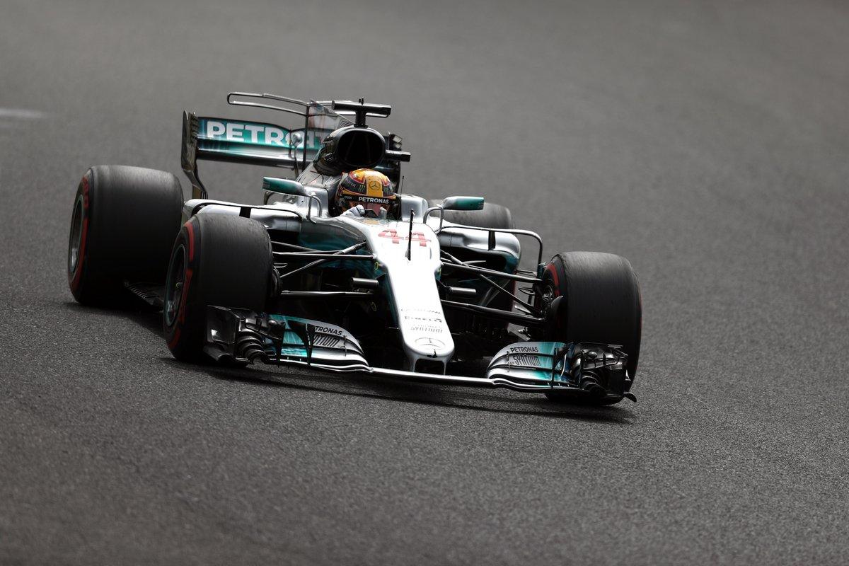 Giappone: pole superlativa per Hamilton. Vettel 3°, ma partirà 2°