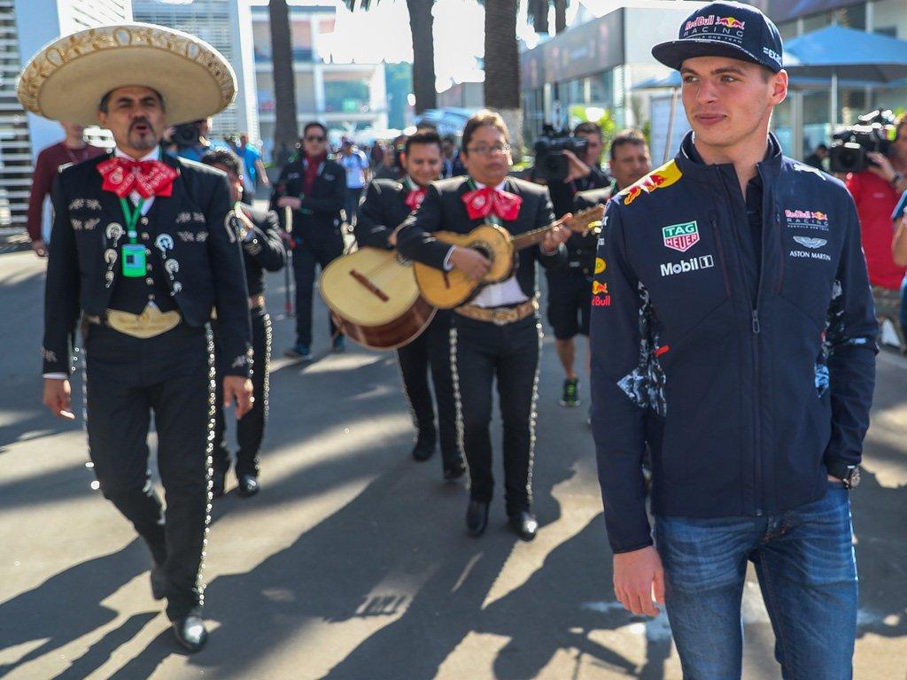 La FIA chiede le scuse di Verstappen. E in parte arrivano