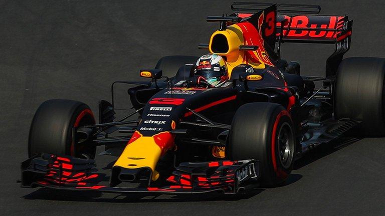 Messico: Hamilton a sandwich tra le Red Bull
