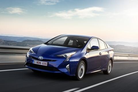Toyota rinnova la Prius