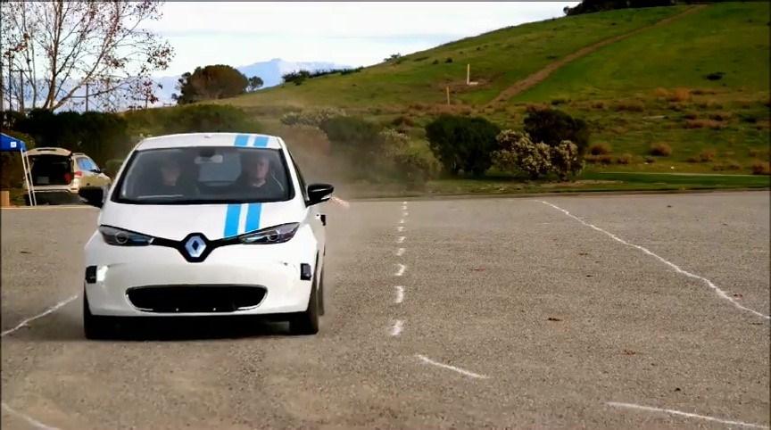 Renault: sistema autonomo per evitare ostacoli