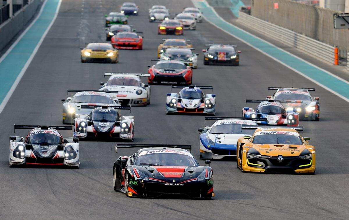 Ferrari in pista alla 12 Ore del Golfo