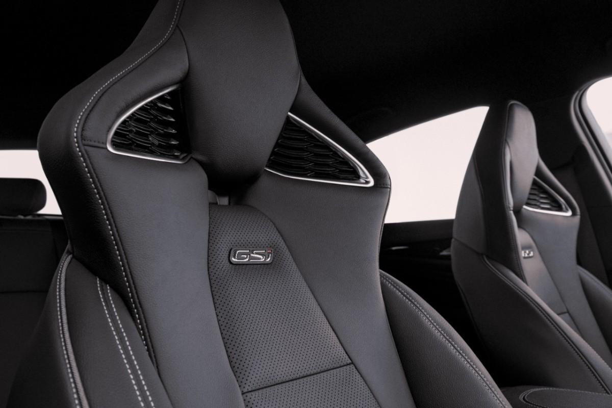 Nuovi sedili sportivi Opel per Insignia GSi