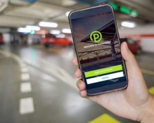 BMW Group acquisisce Parkmobile