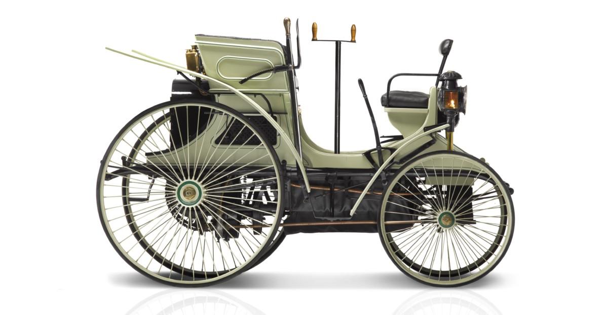 Festeggiamenti Peugeot a Rétromobile
