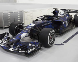 La Red Bull RB14 in livrea special edition