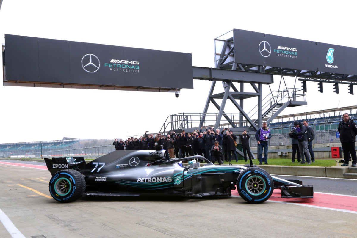 Mercedes FW09 EQ Power+: le prime immagini