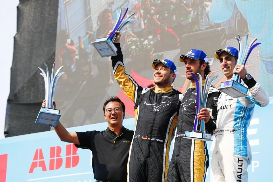 Doppietta Vergne-Lotterer nell'ePrix di Santiago