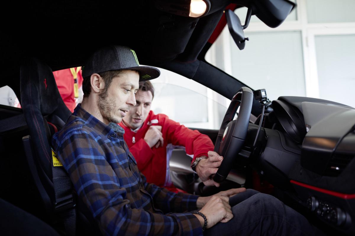 Valentino Rossi a Fiorano al volante della 488 Pista
