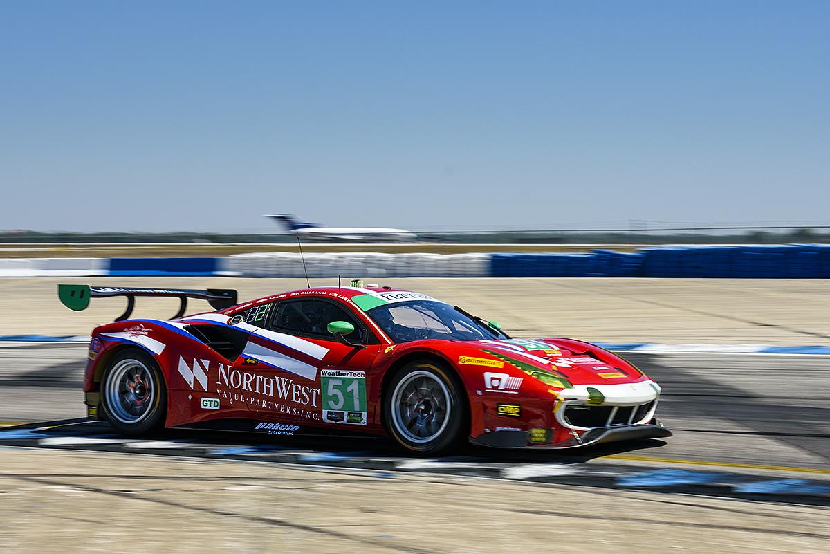 Sebring: pole e prima fila per la Ferrari