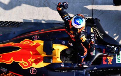Cina: la carica di Ricciardo, davanti a Bottas e Raikkonen