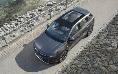 Vivere la primavera coi tetti panoramici Opel