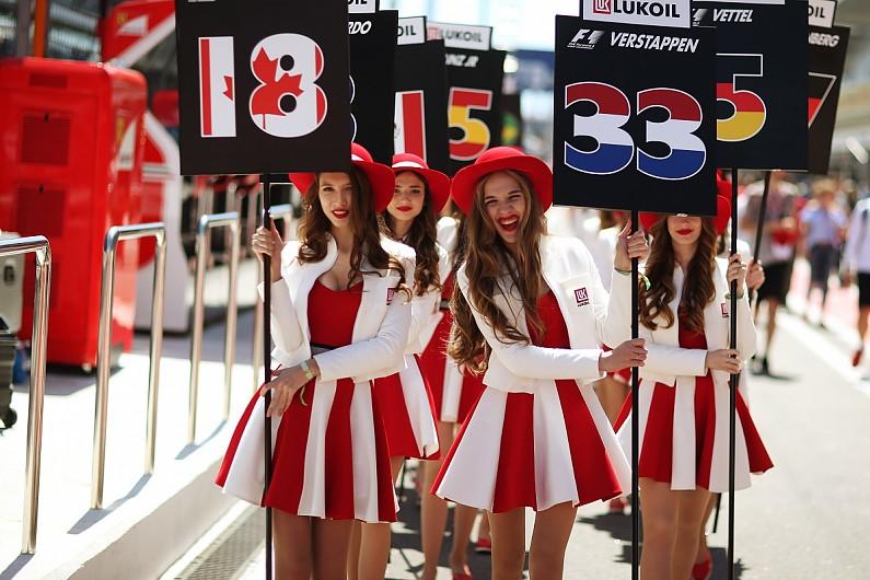 La Russia non molla: vuole le grid girls