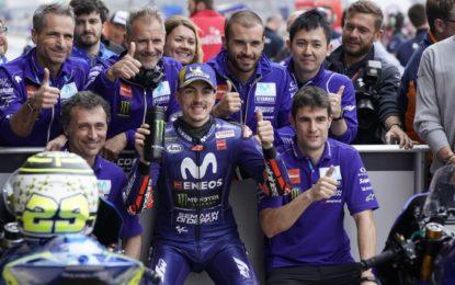 MotoGP: Vinales in pole dopo la penalità a Marquez