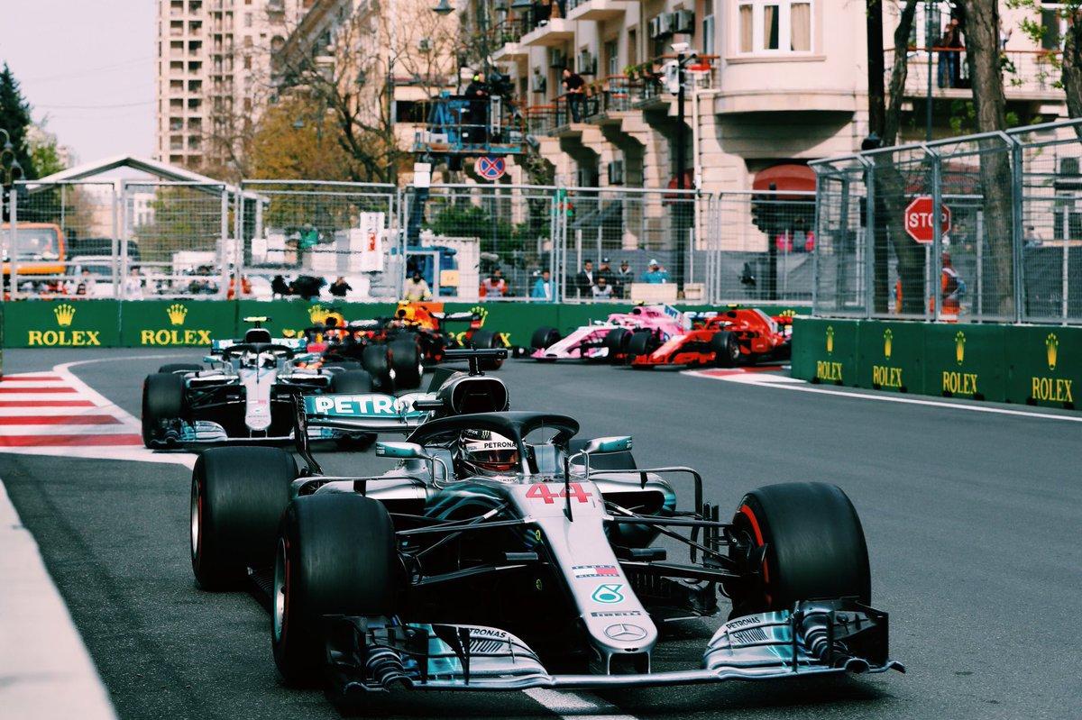 Hamilton ammette la superiorità della Ferrari
