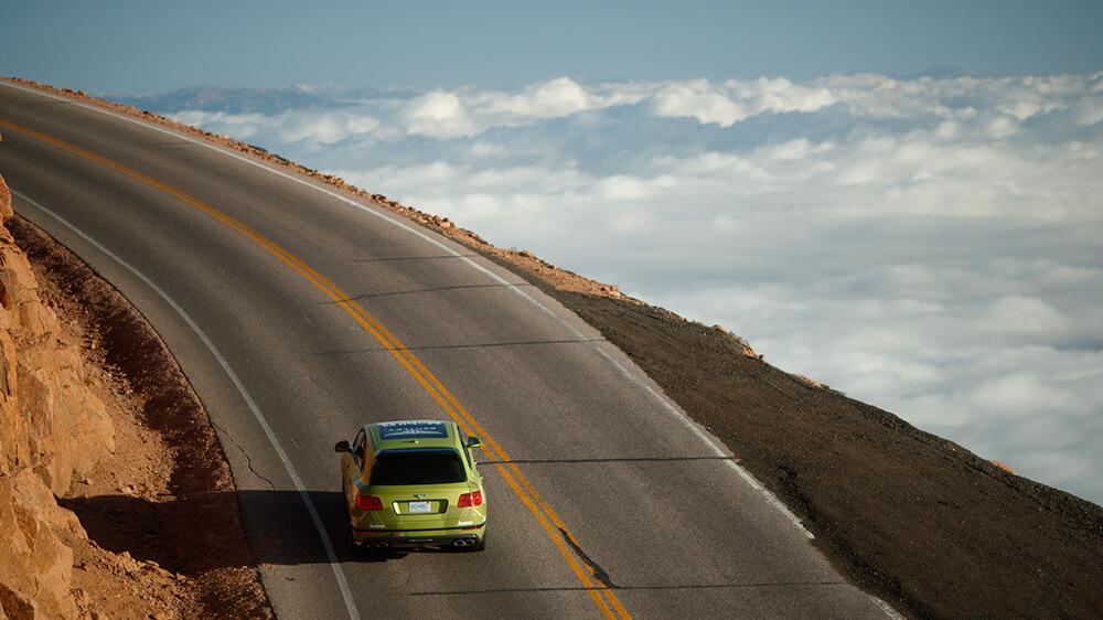 Pikes Peak: in corsa verso le nuvole