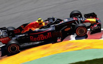 Renault dice stop ai rinvii Red Bull: pazienza finita