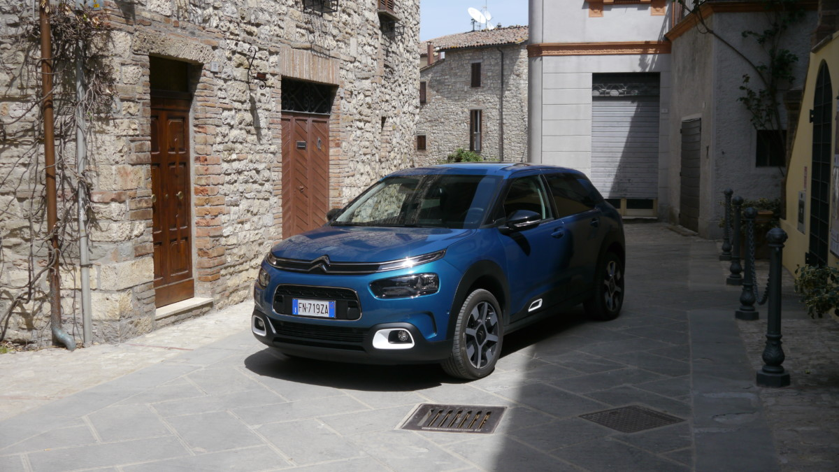 Nuova C4 Cactus tra i borghi dell'Umbria