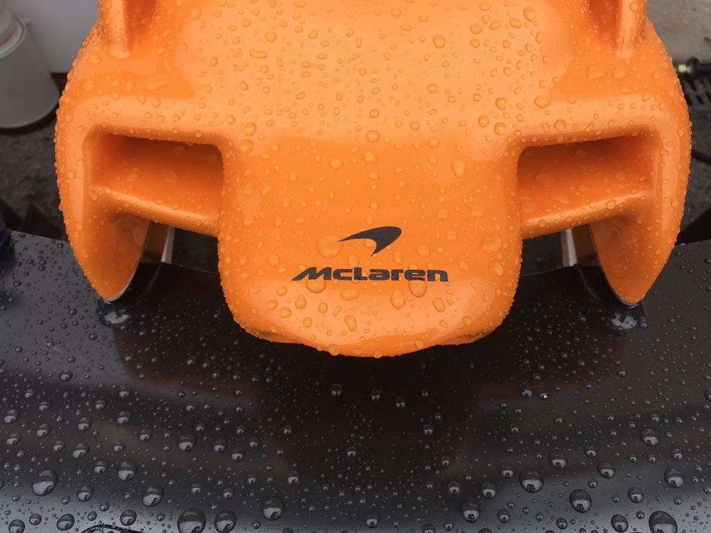 La McLaren? Lenta e in un mare di guai