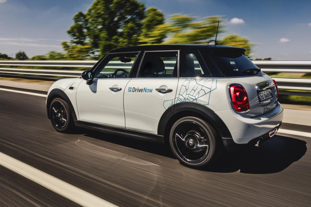 DriveNow lancia il car sharing settimanale per l'estate