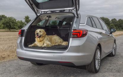 Partire in tutto relax con Opel Astra e i suoi accessori
