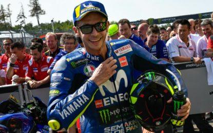 Rossi fa volare la Yamaha anche a Brno