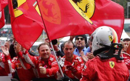 """Vettel: """"Difenderò sempre il mio team"""""""