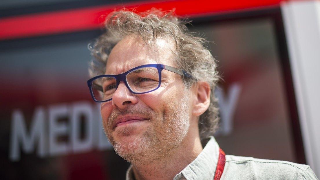 """Villeneuve: """"Sarebbe più saggio cancellare il campionato"""". E boccia le gare virtuali"""