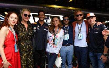 Anche le star di Riviera nel paddock di Monza