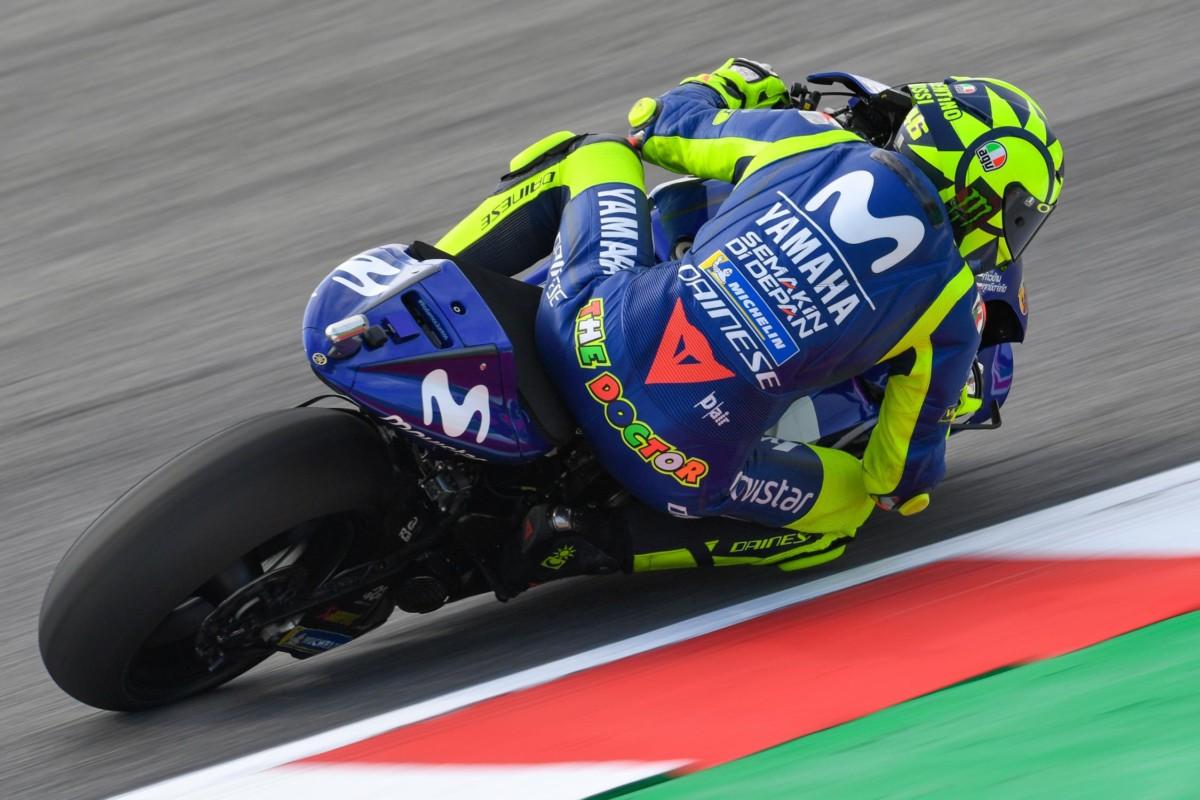 Rossi: il punto sul venerdì e il casco speciale per Misano