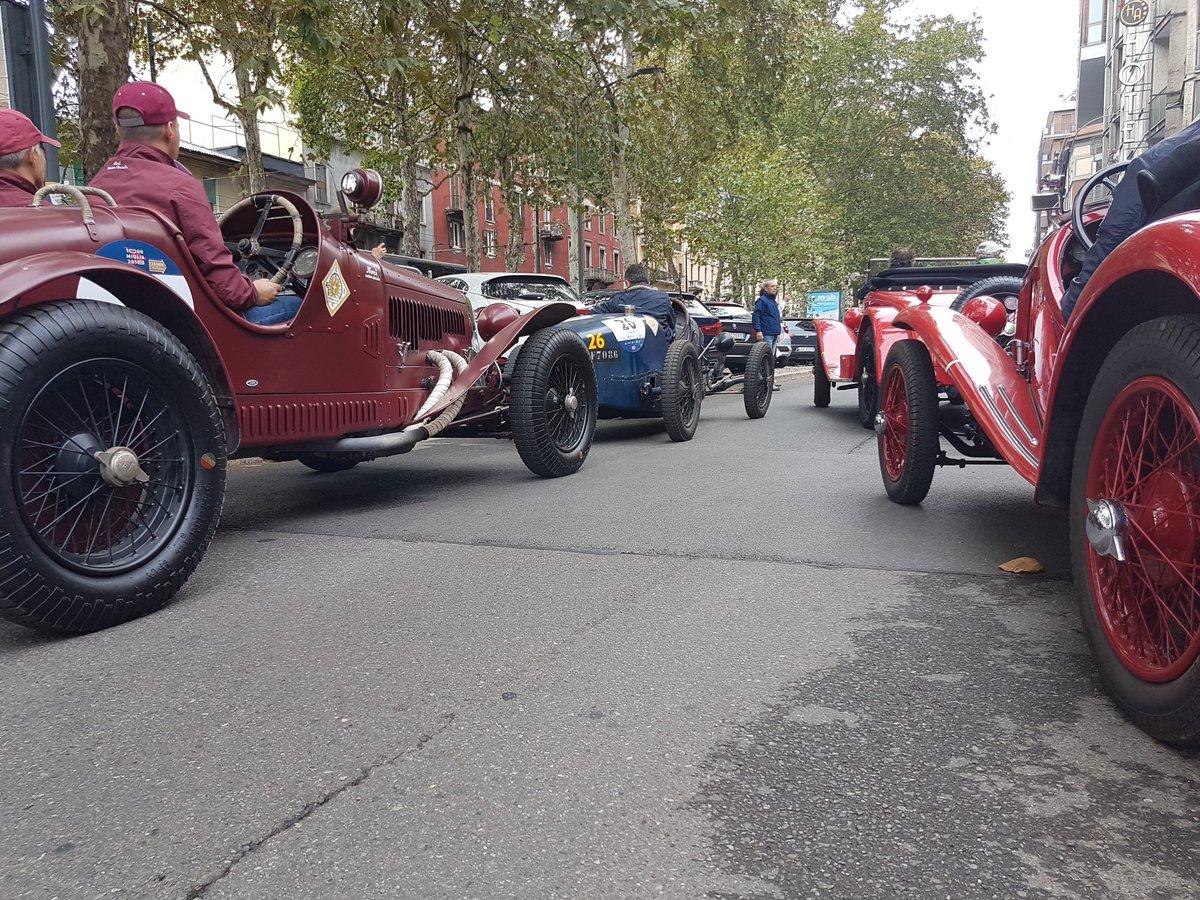 Le auto storiche conquistano Milano