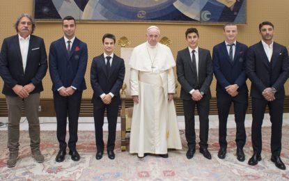 Papa Francesco riceve la MotoGP alla vigilia di Misano