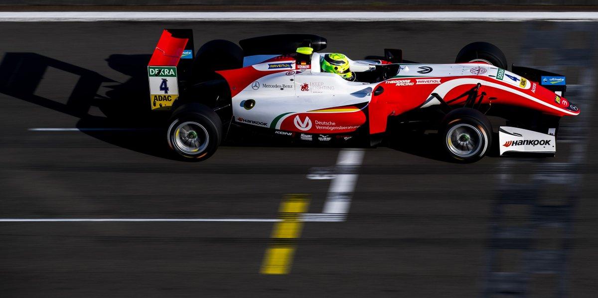 F3: Mick Schumacher vince Gara 1 e fa le pole per Gara 2 e 3