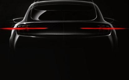 Il teaser del nuovo modello elettrico Mustang inspired